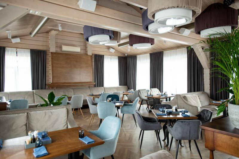 luxurious pub furnitures